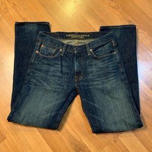 Men's American Eagle Slim Straight Jeans.  30/32